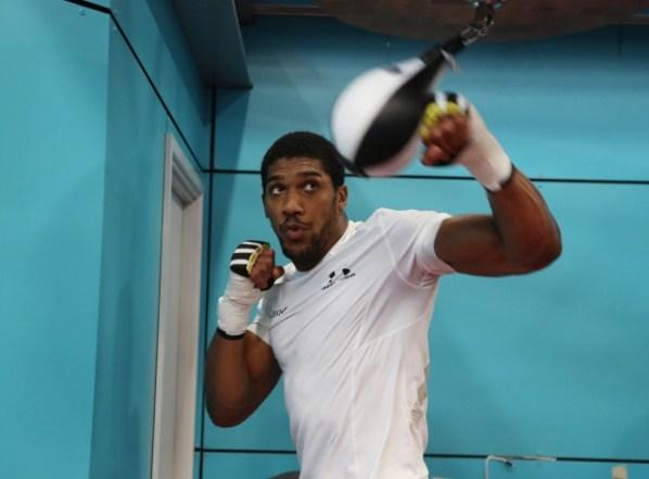 https://i0.wp.com/photo.boxingscene.com/uploads/anthony-joshua%20(31)_1.jpg?w=598&ssl=1