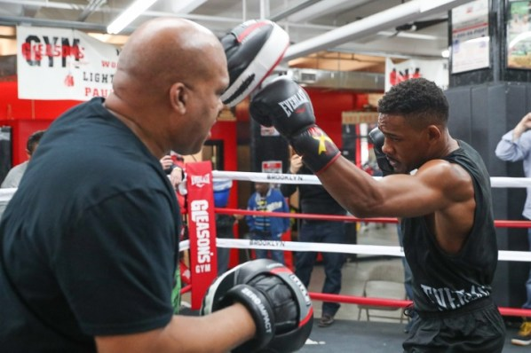 https://i0.wp.com/photo.boxingscene.com/uploads/daniel-jacobs%20(4)_2.jpg?w=598&ssl=1