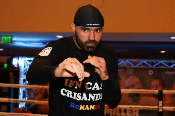 https://i0.wp.com/photo.boxingscene.com/uploads/dinu%20(6).jpg?w=598&ssl=1