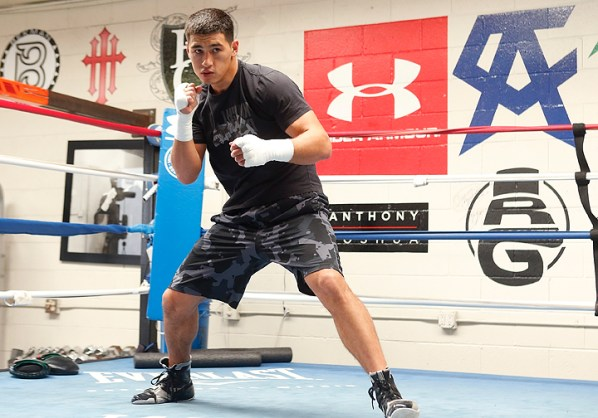 https://i0.wp.com/photo.boxingscene.com/uploads/dmitry-bivol%20(3)_6.jpg?w=598&ssl=1