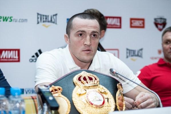 https://i0.wp.com/photo.boxingscene.com/uploads/lebedev-jones%20(9).jpg?w=598&ssl=1