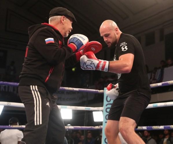 https://i0.wp.com/photo.boxingscene.com/uploads/sergey-kuzmin%20(2).jpg?w=598&ssl=1