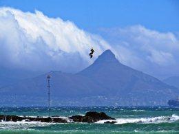 Kitesurfing-IMAGE