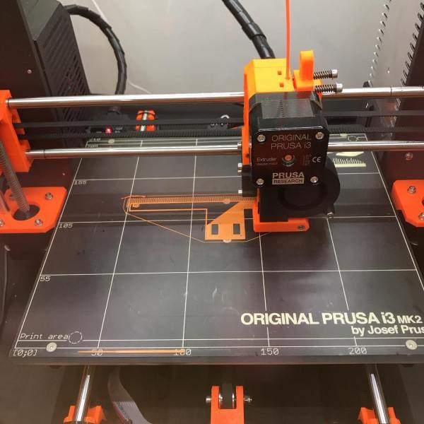 Take 2 and this time I'm printing the support material