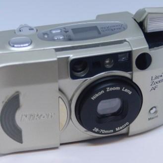 Nikon Zoom 70W open