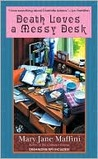 Death Loves a Messy Desk (Charlotte Adams, #3)