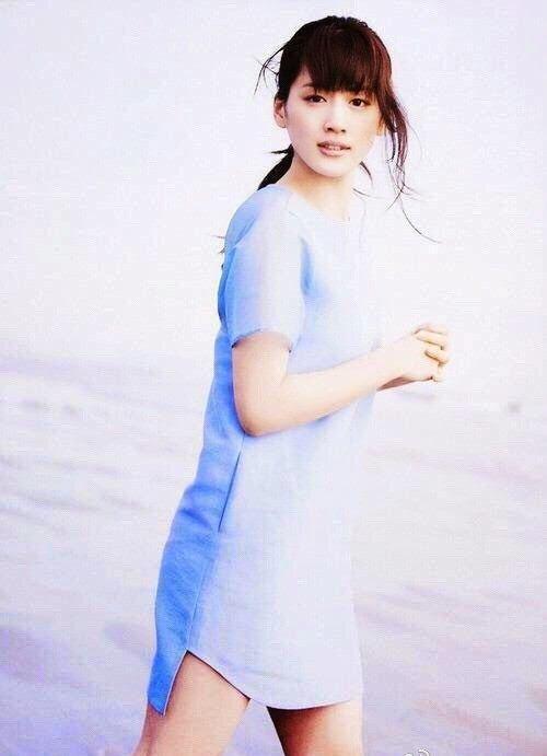 綾瀬はるかが写真集『SEA STORIES』で10年ぶりとなる水着姿に!2
