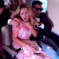 パリス・ヒルトンが飛行機墜落のドッキリに大パニックで泣き叫ぶ動画