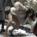 大雪で女子大生とOLが滑ってパンモロの放送事故が報道番組で放映されるw