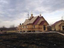 25 - возводим крышу и обшиваем стены храма