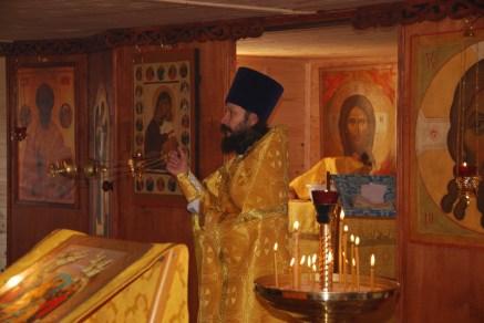 9 - Первая Божественная литургия