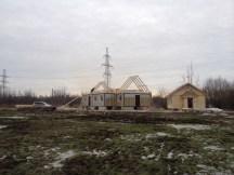 4 - возводим крышу и обшиваем стены храма