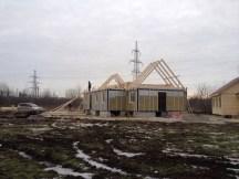 5 - возводим крышу и обшиваем стены храма