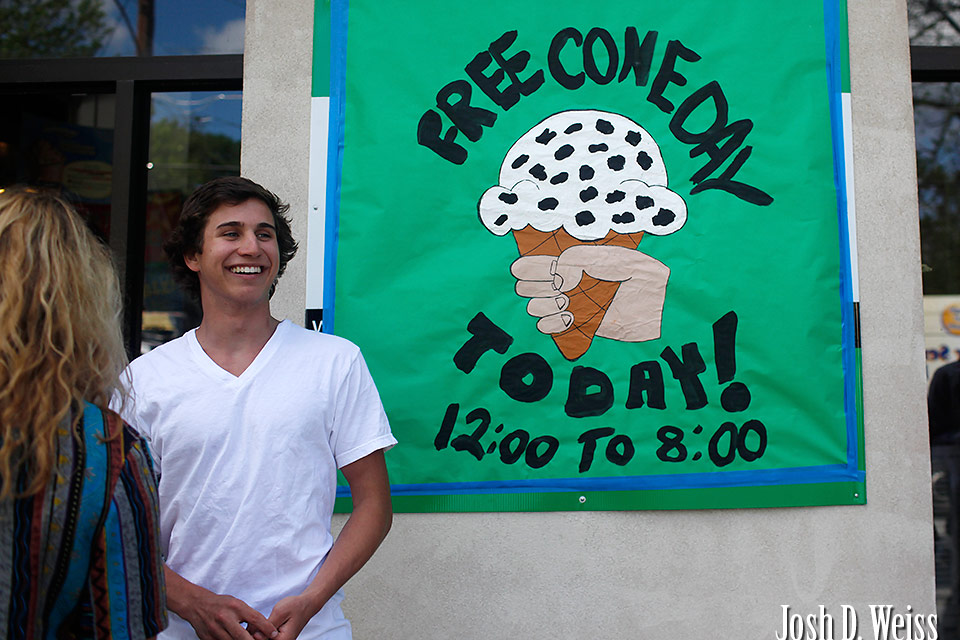 110412_JDW_FreeConeDay_0003