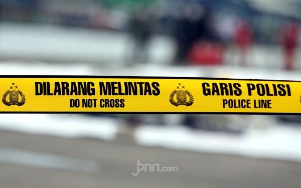 Kamar Wiwin Didatangi Beberapa Pria pada Malam Hari, Bu Ngatin Tidak Curiga - JPNN.com
