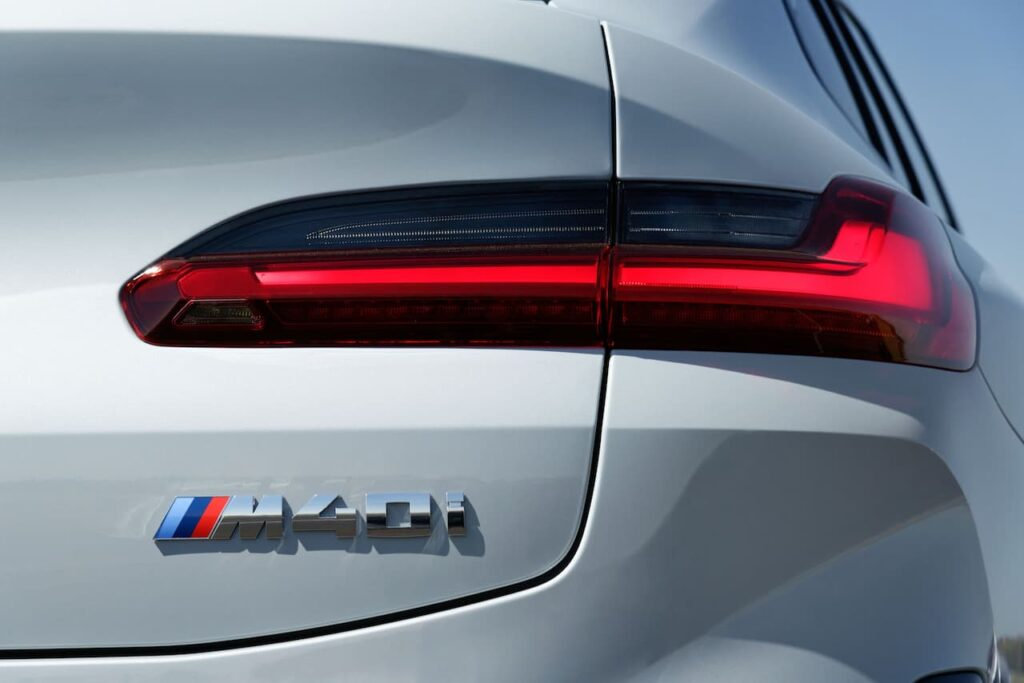 BMW X3 and BMW X4 LCI 2022 version launched 11