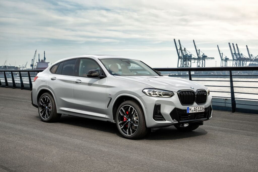 BMW X3 and BMW X4 LCI 2022 version launched 12