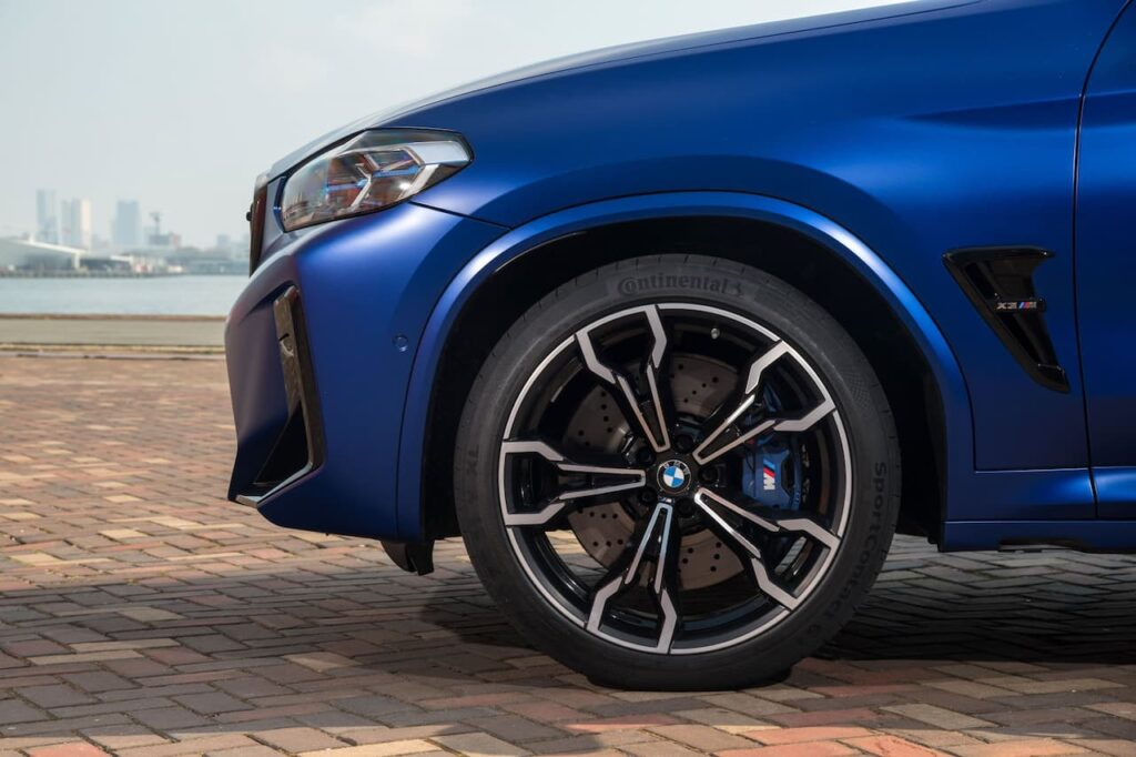 BMW X3 and BMW X4 LCI 2022 version launched 23