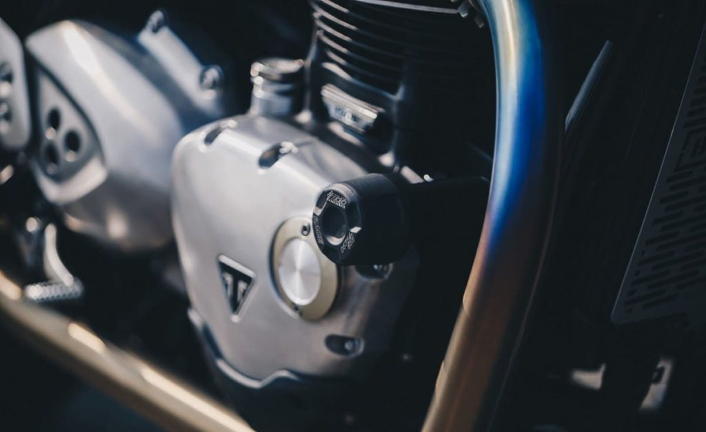 Triumph Thruxton R is a ruthless, fierce, cool British style