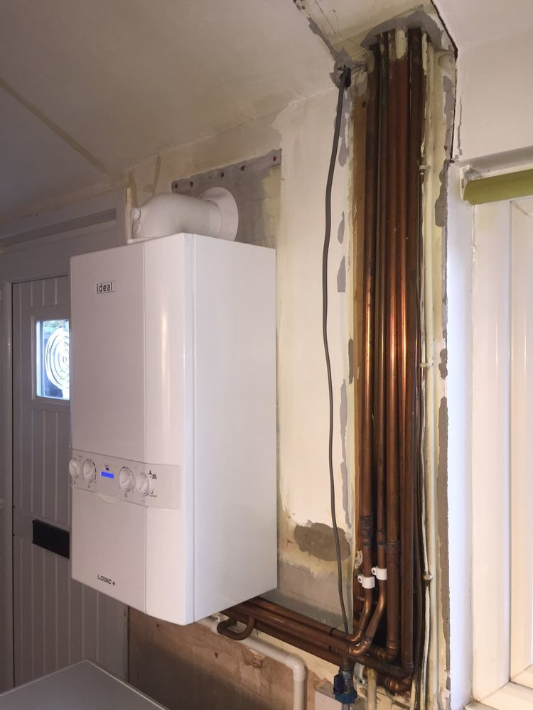 Kitchen Unit boxing washer and dryer and combi boiler