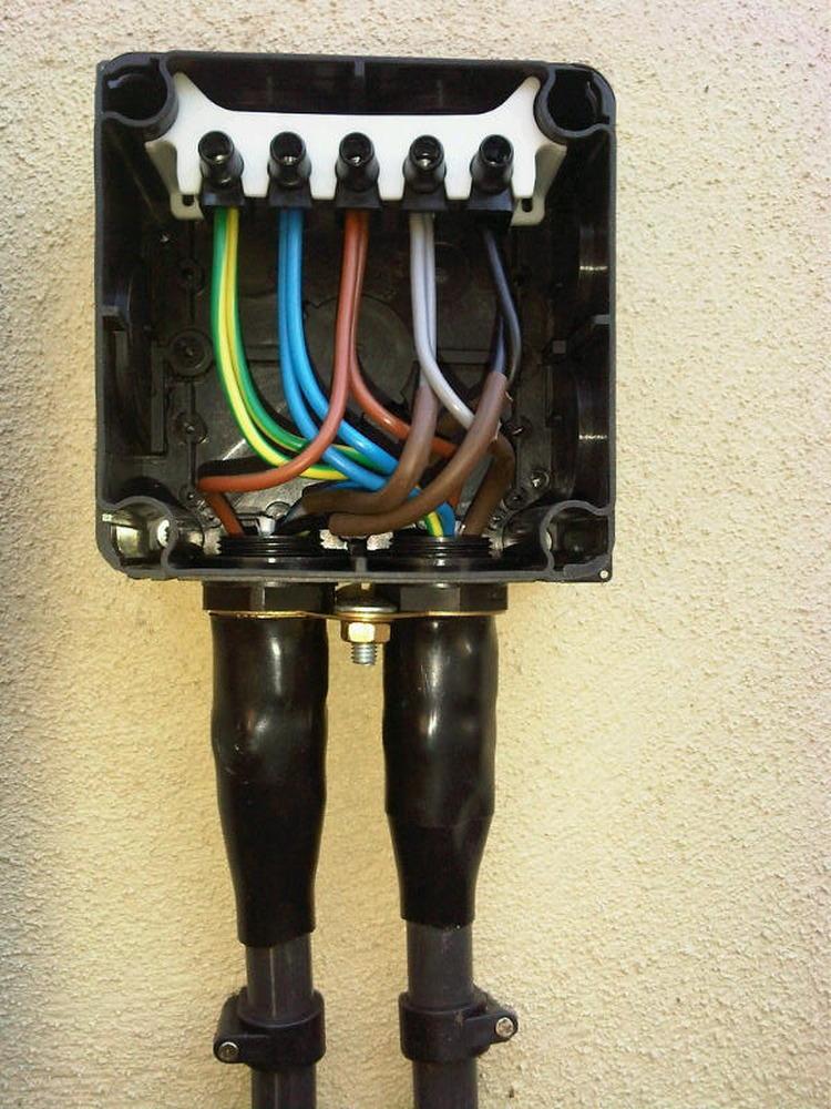 Reid Electrics Ltd 99 Feedback Electrician In Worthing