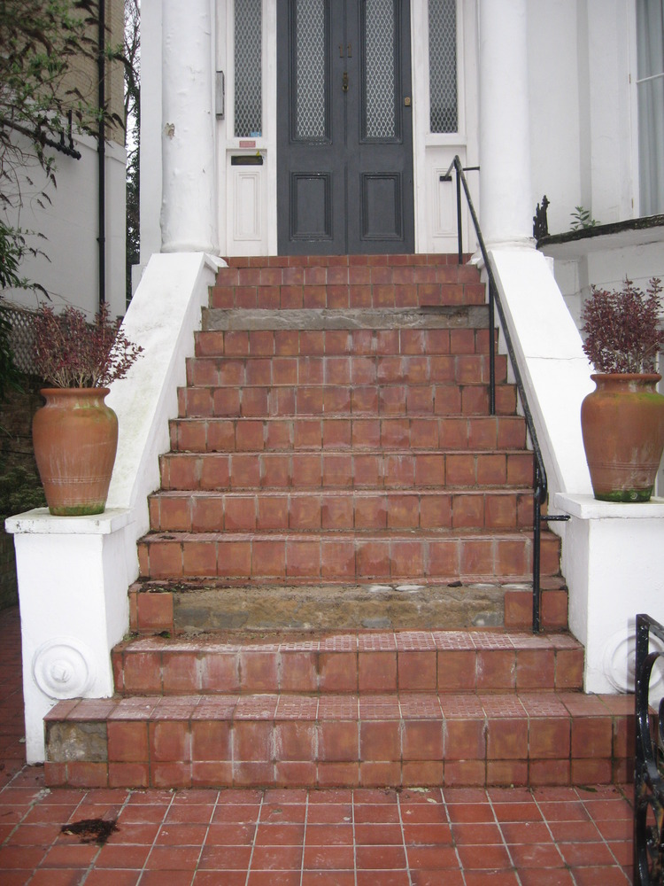 Reconstruction And Retiling Of 14 Front Door Steps