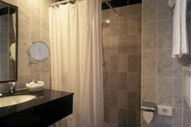 Hotel Holiday Inn Brussels Schuman Book With Hotelsclick Com