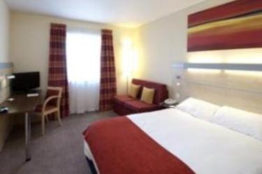 Photos Hotel Holiday Inn Express Slough London Heathrow