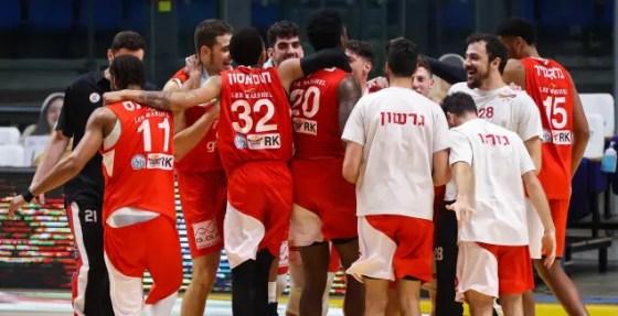 Gilboa / Galil players celebrate (Itzik Blanitzky)