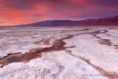 Sunrise in Death Valley by Jeremy Long