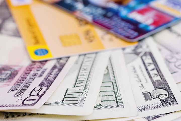 [懶人包] 信用卡不見遺失被盜刷?掛失補發止付流程&銀行聯絡電話 - 簡單生活Easylife