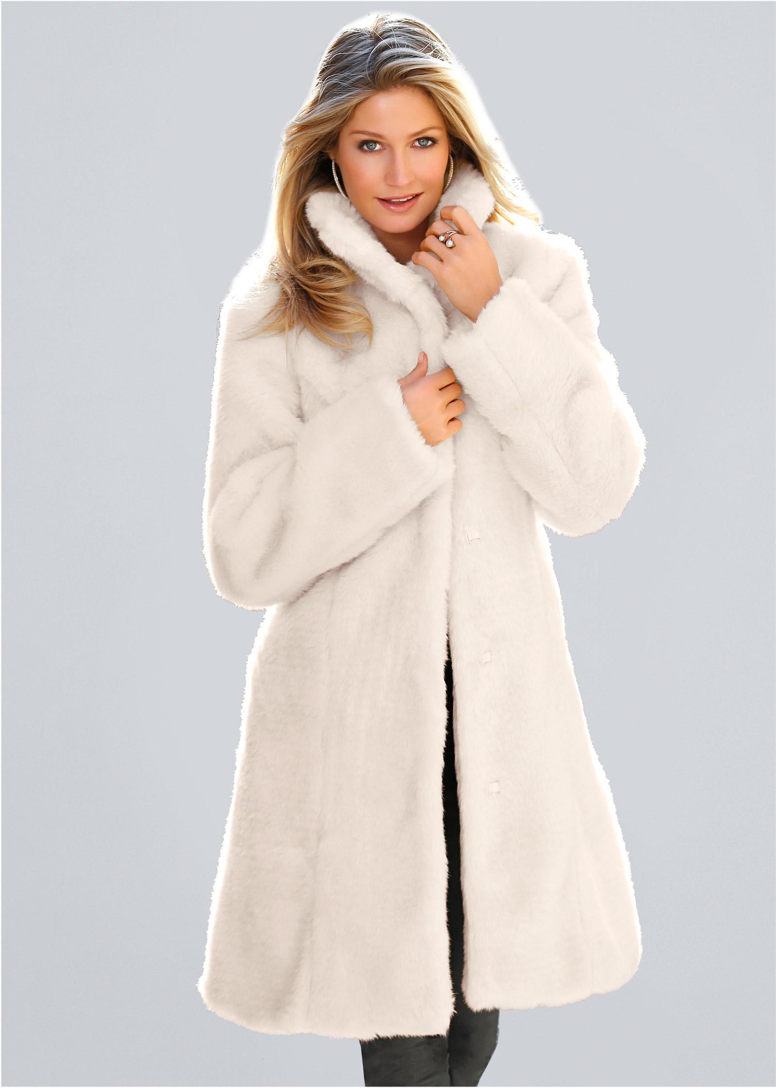 Glamour Girl Wallpaper Faux Fur Coat In White Venus