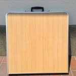 折りたたみ式アウトドアテーブル1