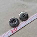 メタル調ボタン1