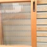 縦縞ガラス引き違い戸4