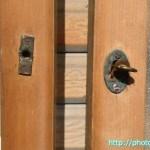 幅広全面ガラス戸ねじ込み式鍵1