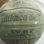 ミュンヘンオリンピック日本代表女子バレーボールチームサインボール1
