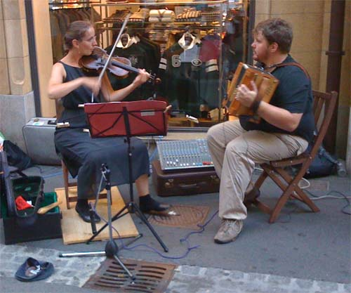 Buskers-s