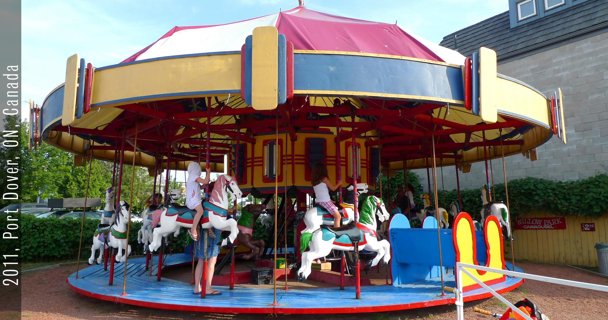 carousel05