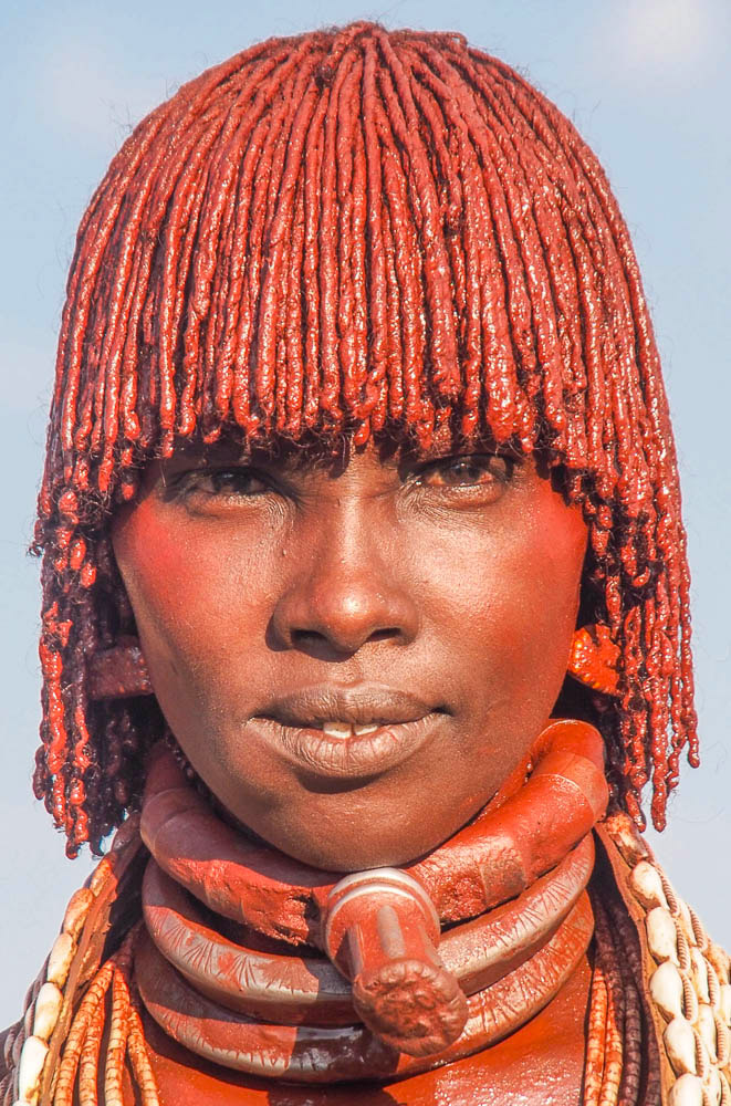 Hamar woman with ochre colored hair