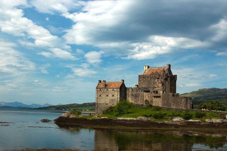 Charles-Ardary-Pax-OK-2014-0579-Eilean-Donan-castle-saadj