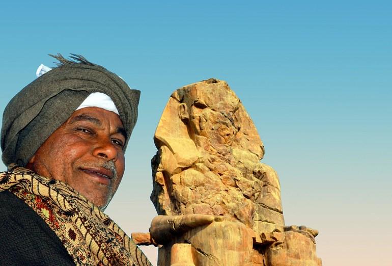 EGY-094-Man-&-Ramses-Statue-saadj