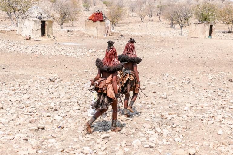 Himba-Dancers