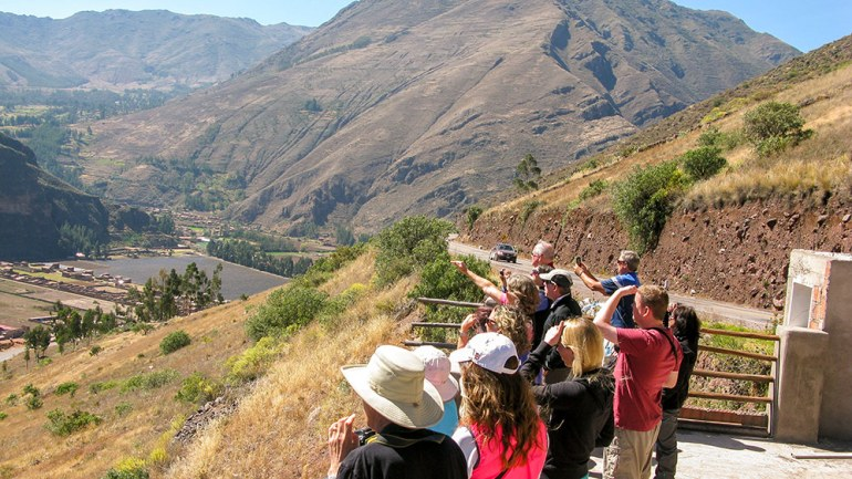 grou photo looking out towards pisac peru