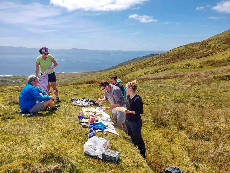 ireland-west-coast-picnic