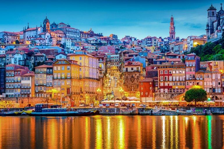 porto city landscape in the evening
