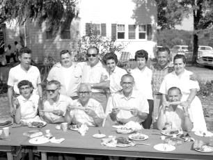 Blue Gables Family Barbeque 1962 (4)