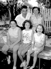 Blue Gables Family Barbeque 1962 (5)
