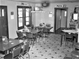 Kipps Tavern Rt 9G Clermont 1960 (2)