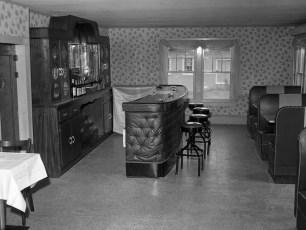 Lights Inn Bar Room Rt 9 Clermont 1960